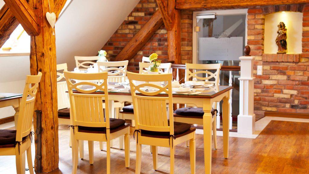 Hotel Keppler´s Ecke - Gastraum, gedeckter Frühstückstisch