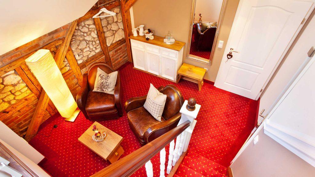Hotel Keppler´s Ecke - Sitzecke im unteren Hotelzimmerbereich