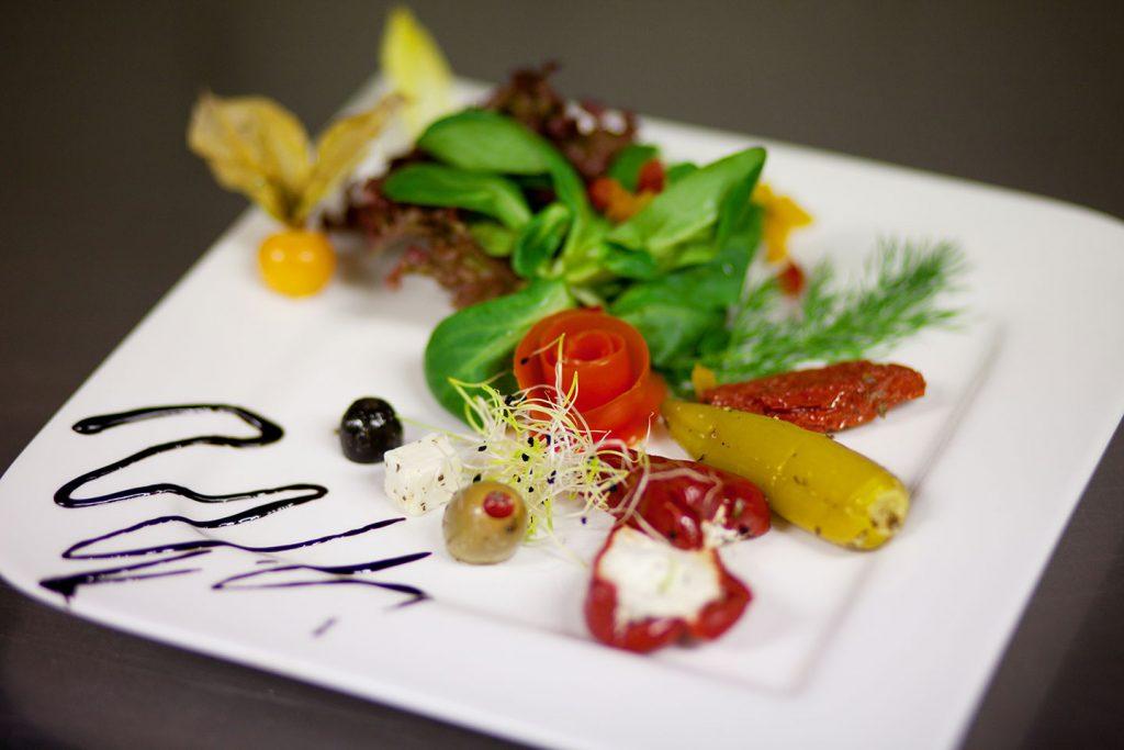 Hotel Keppler´s Ecke - angerichteter Salatteller aus dem Restaurant